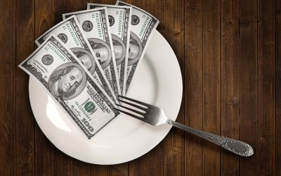 9 Strategies to Save Money Eating Out at Restaurants
